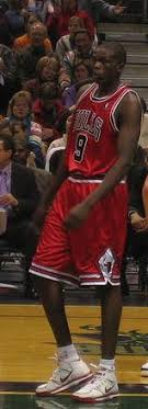 NBA, Luol Deng retires after a final day as a Chicago Bulls player